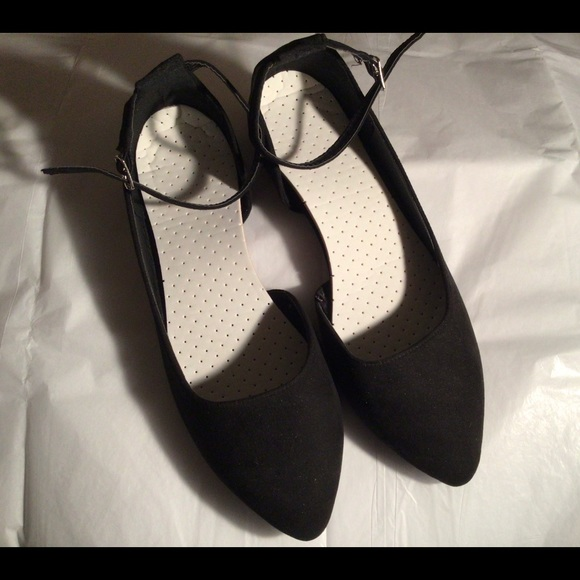 Black Ankle Strapped Flats